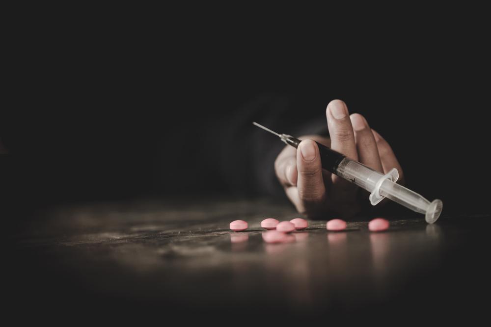 Переедание похоже на зависимость от наркотиков или азартных игр