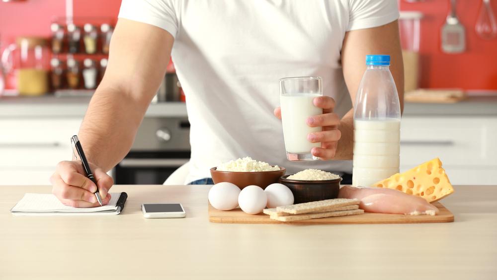 Можно есть все, главное – считать калории и уменьшать порции блюд