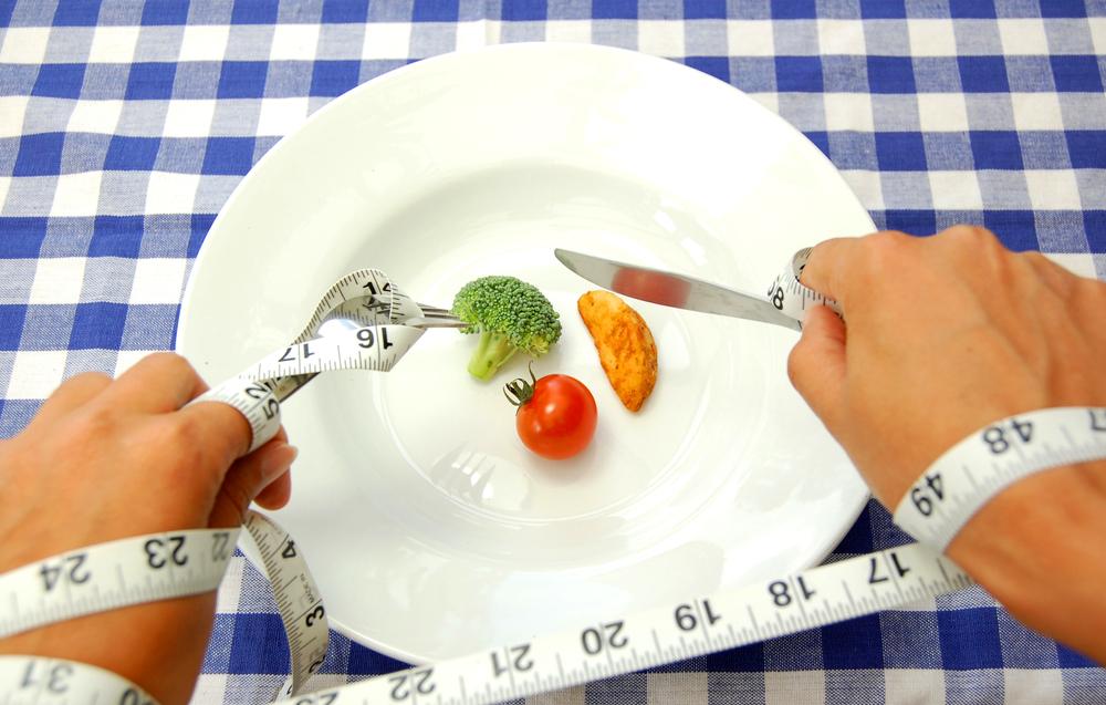В условиях снижения калорий в питании худеют все люди